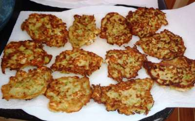 Bordküche I Zucchinipuffer
