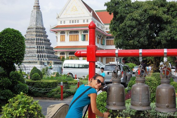ring the bell at Wat Arun