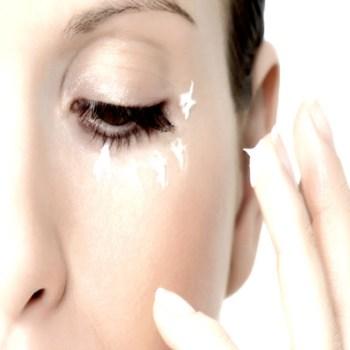 Contorno occhi: cosa fare e quali prodotti scegliere.