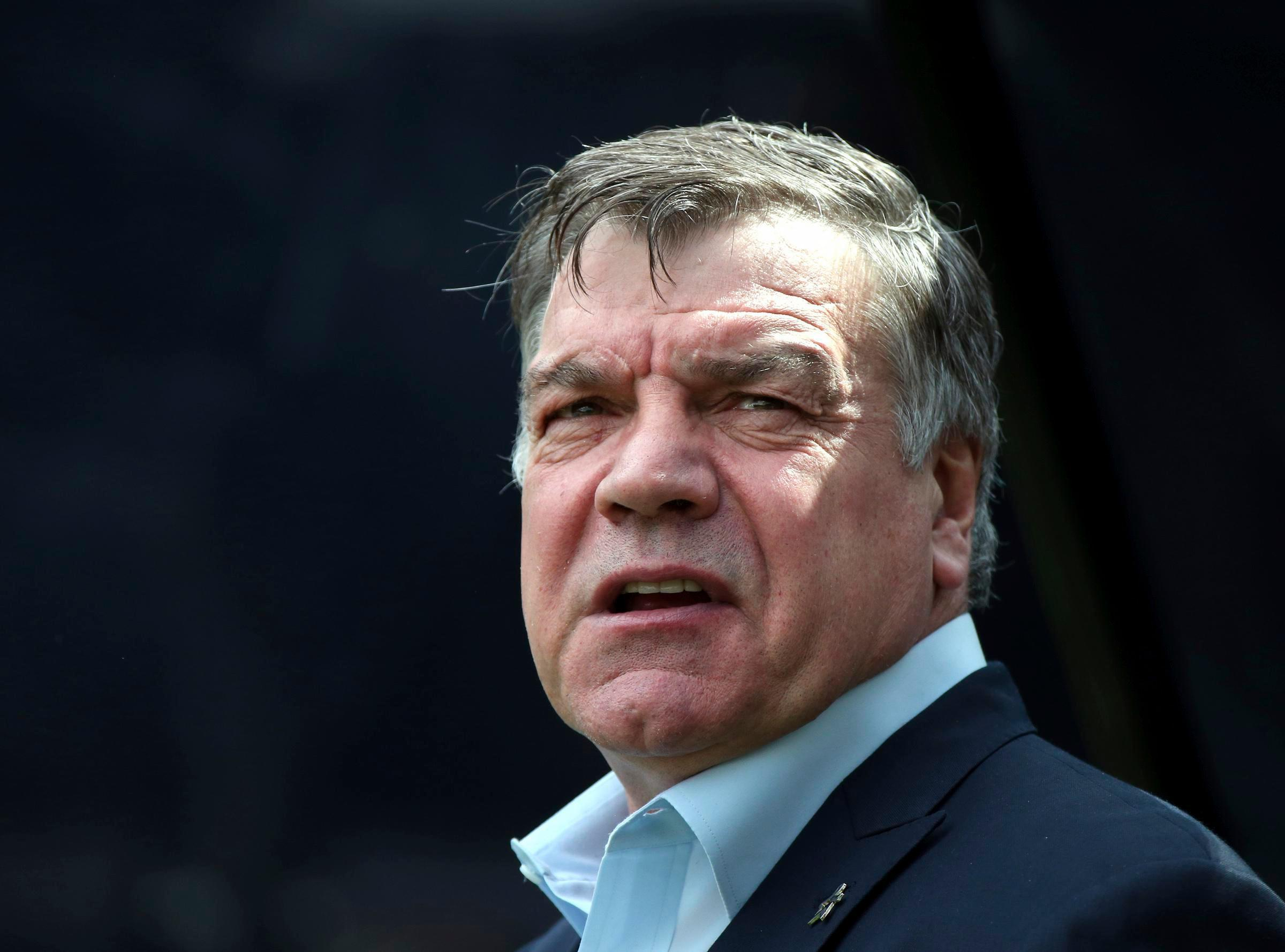 Allardyce starts at Everton with 2-0 win vs Huddersfield