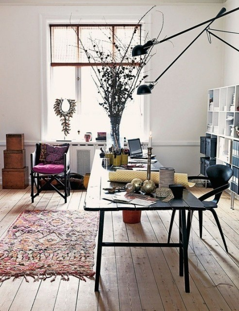 Rustic-and-boho-inspired-interestin-home-office-design
