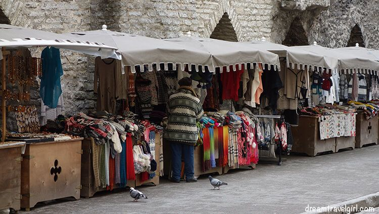 Estonia_Tallin_market_BIG