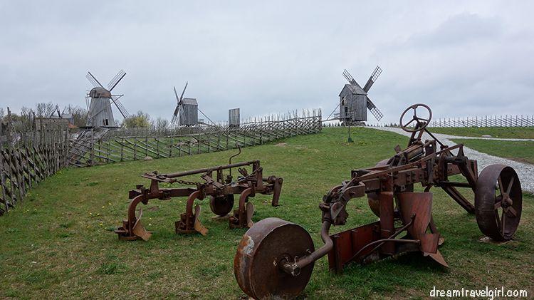 Estonia_Saaremaa_Angla_windmills04_BIG