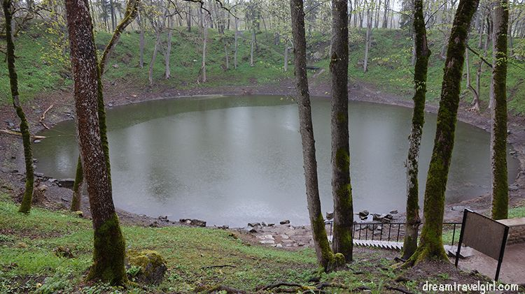 Estonia_Saaremaa_Kaali-crater03_BIG