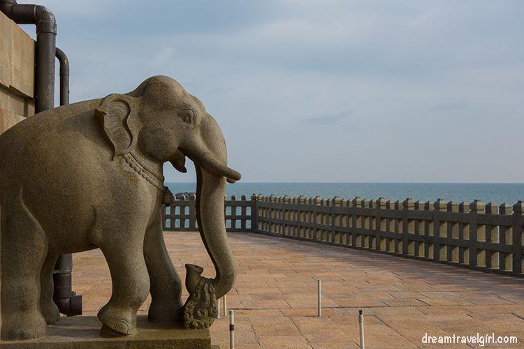 India_Kanyakumari_memorial_elephant