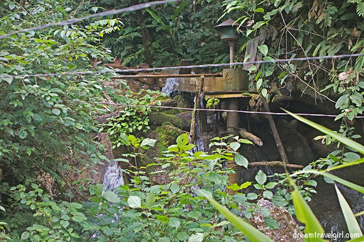 Laos_Huay-Bo_electricity-generator-river