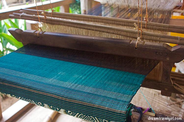 Laos_Huay-Bo_weaving-scarf