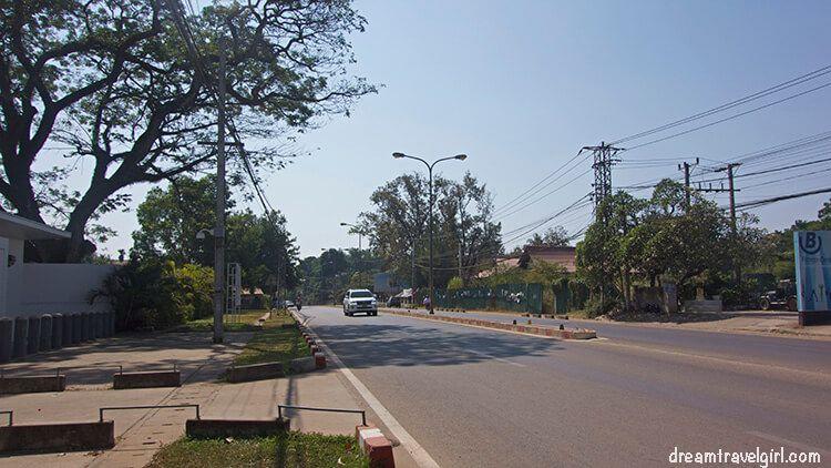 Laos_Vientiane_street05