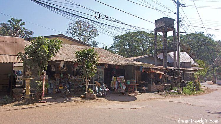 Laos_Vientiane_street06