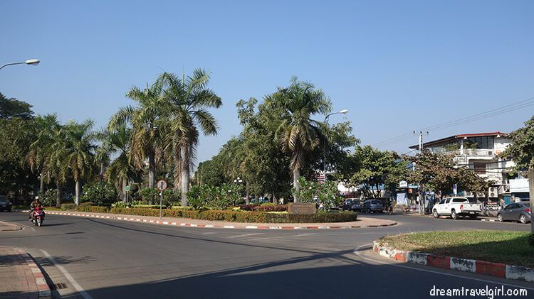 Laos_Vientiane_street08