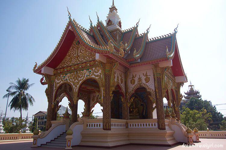 Laos_Vientiane_temple02