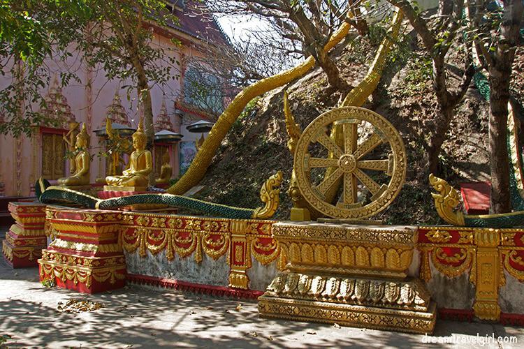 Laos_Vientiane_temple03