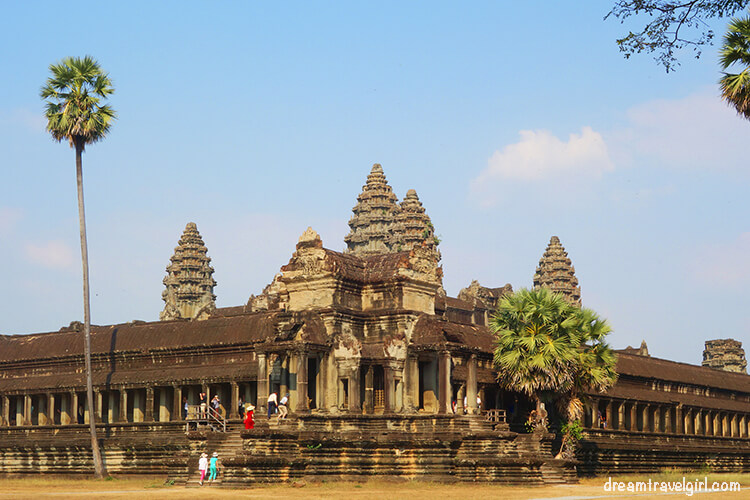 Angkor Wat from close