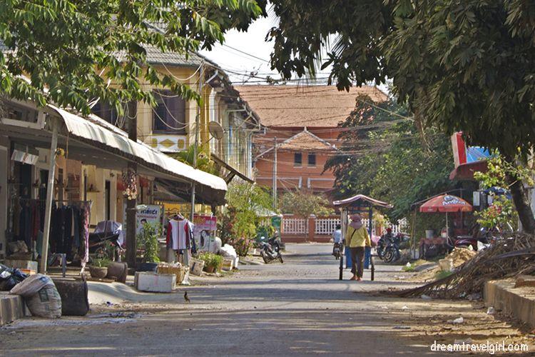 Cambodia_Kampot_street