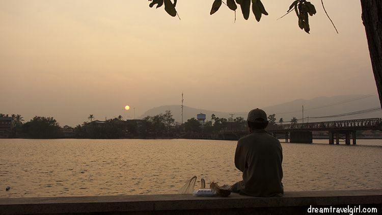 Cambodia_Kampot_sunset-river-bridge