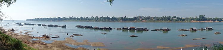 Cambodia_Kratie_Koh-Trong_floating-village5