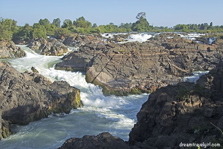 Laos_4000islands_Don-Khon_Li-Phi-waterfall1