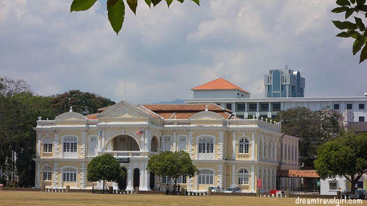 Malaysia_Penang_Georgetown_big-building-park