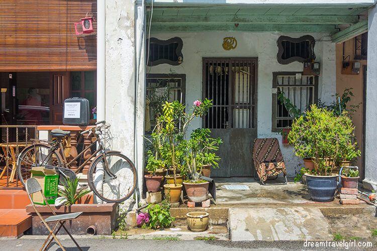 Malaysia_Penang_Georgetown_house-entrance