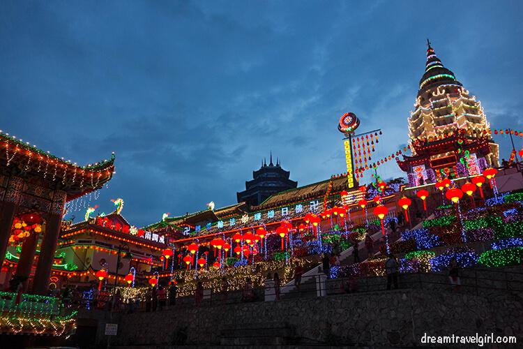 Kek Lok Si Temple in the evening.