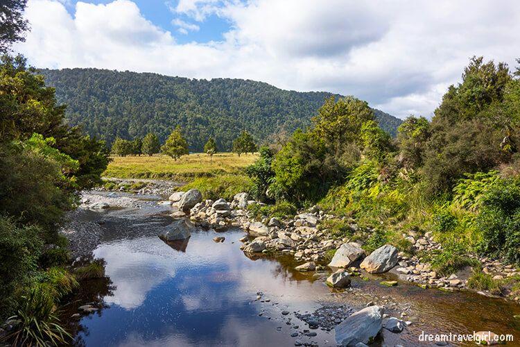 New-Zealand_Fox-village_lake-Matheson06