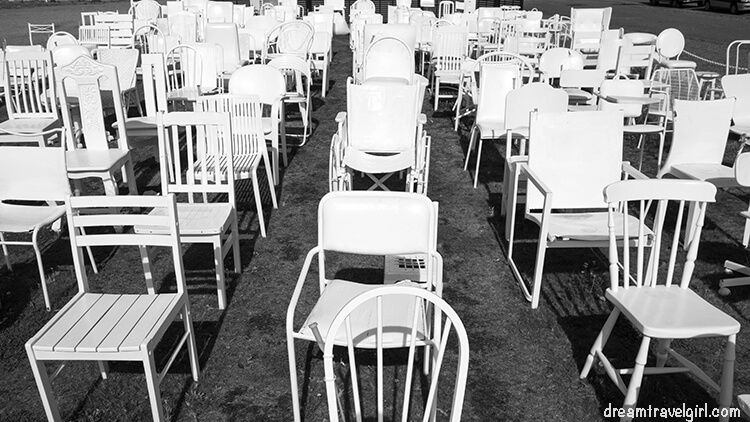 New-Zealand_Christchurch_185-empty-chairs01