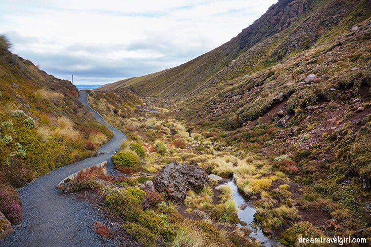 New-Zealand_Tongariro-Alpine-Crossing02