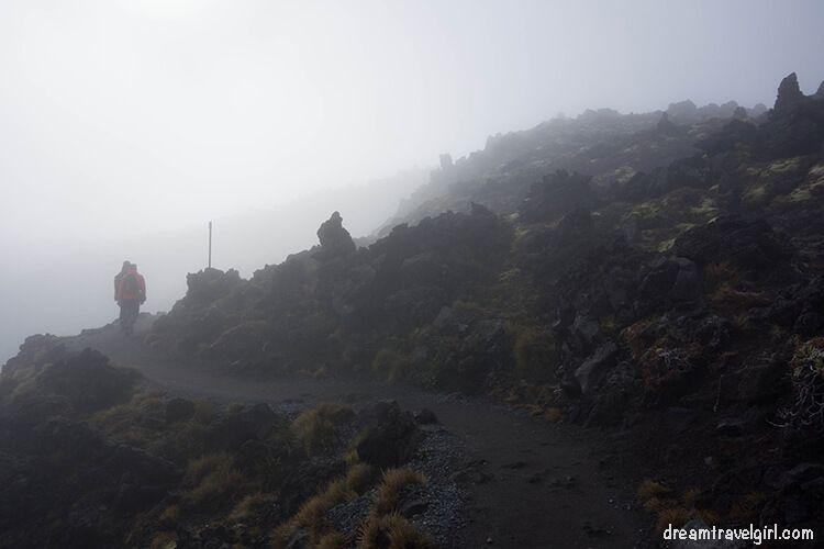 New-Zealand_Tongariro-Alpine-Crossing06-foggy