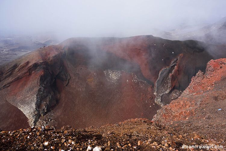 New-Zealand_Tongariro-Alpine-Crossing14-Red-Crater