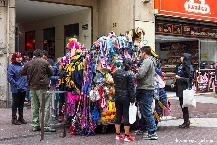 Chile_Santiago_center-shopping-street