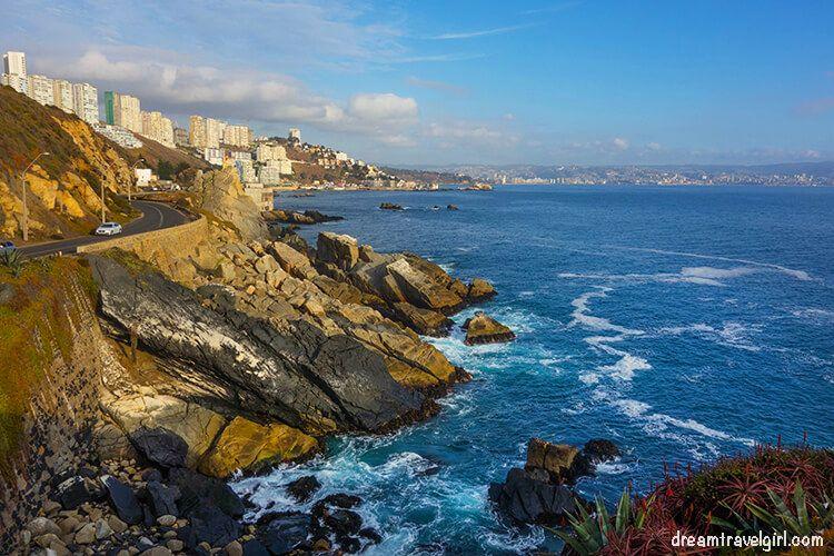 The coast between Concon and Viña