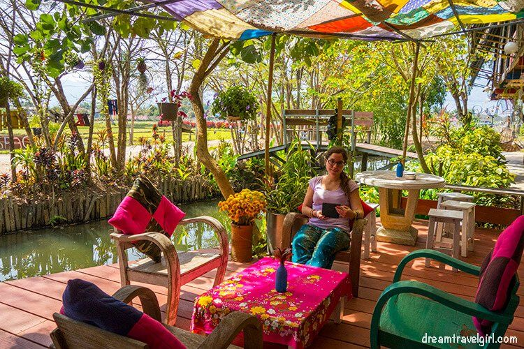 Me sitting in Makhampom arts café, Chiang Dao