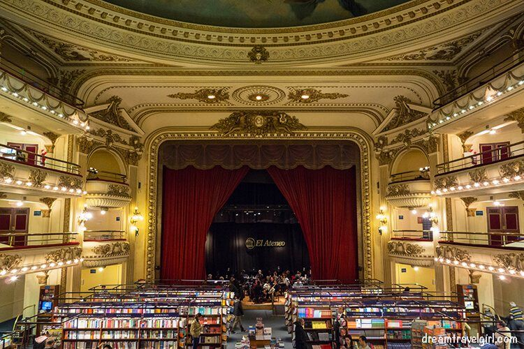 Travel long term: bookstore in Buenos Aires