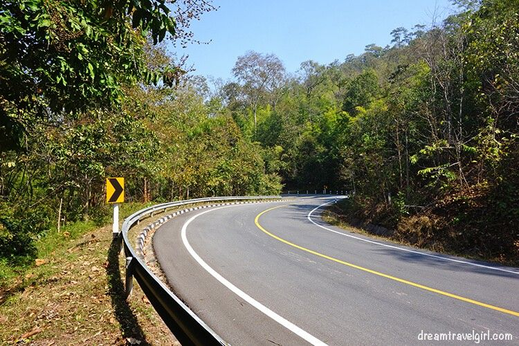 Northern Thailand road trip: curves