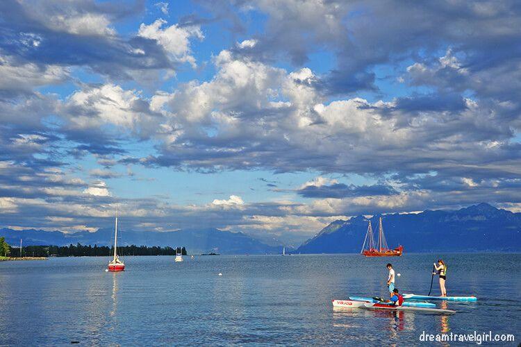 Paddle in the lake Leman