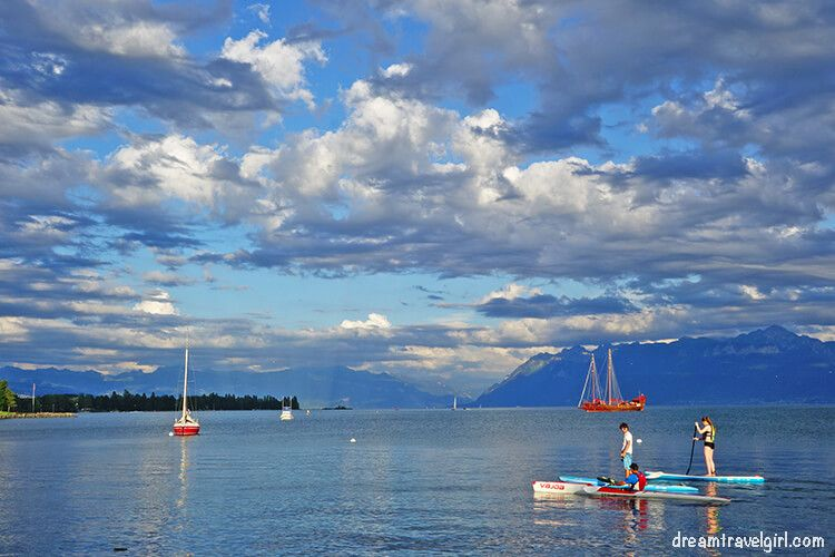 Paddle in the lake Leman