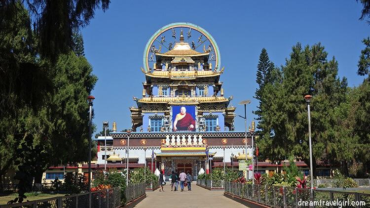 Lugares para ver en el sur de India: templo de Oro, Karnataka