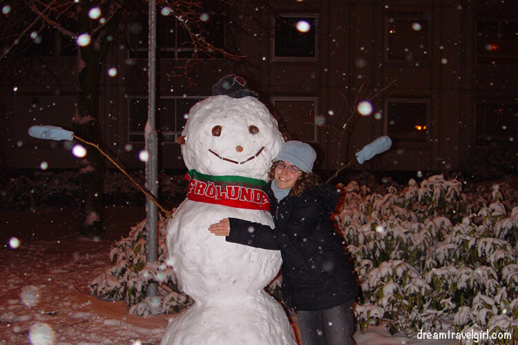 Life in Sweden: my first snowman