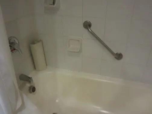 Marina Room Bathtub