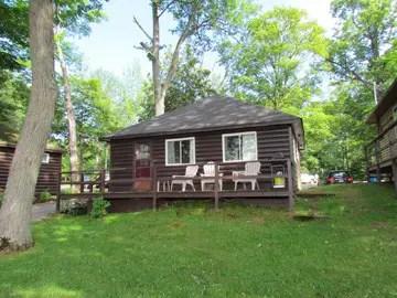 Viamede Resort Cottage outside mf