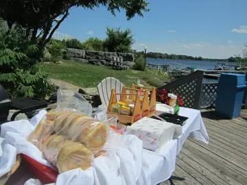 Viamede Resort_sm_boathouse bbq lunch20130720_0029