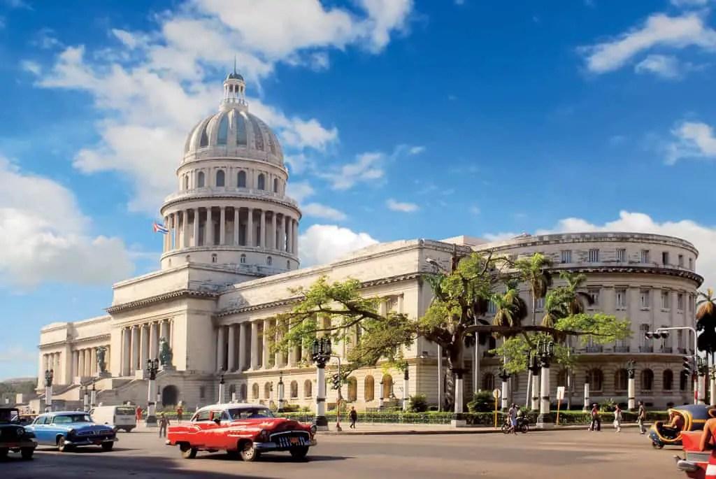 Havana_Cuba_Capitol_old cars_dreamtravelmag