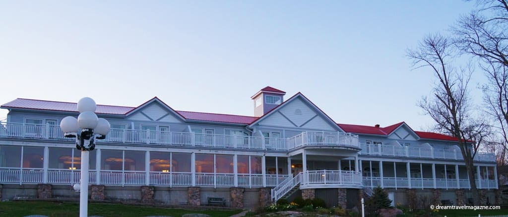 Viamede Resort_2014_Kawarthas_main building
