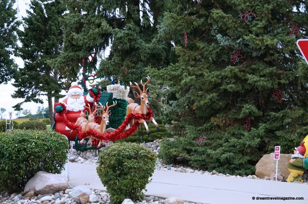 Bronners Christmas Wonderland-Michigan_dream-travel-magazine_04
