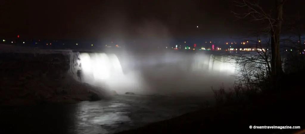 NYE_Niagara Falls_Canada_dream-travel-magazine_33