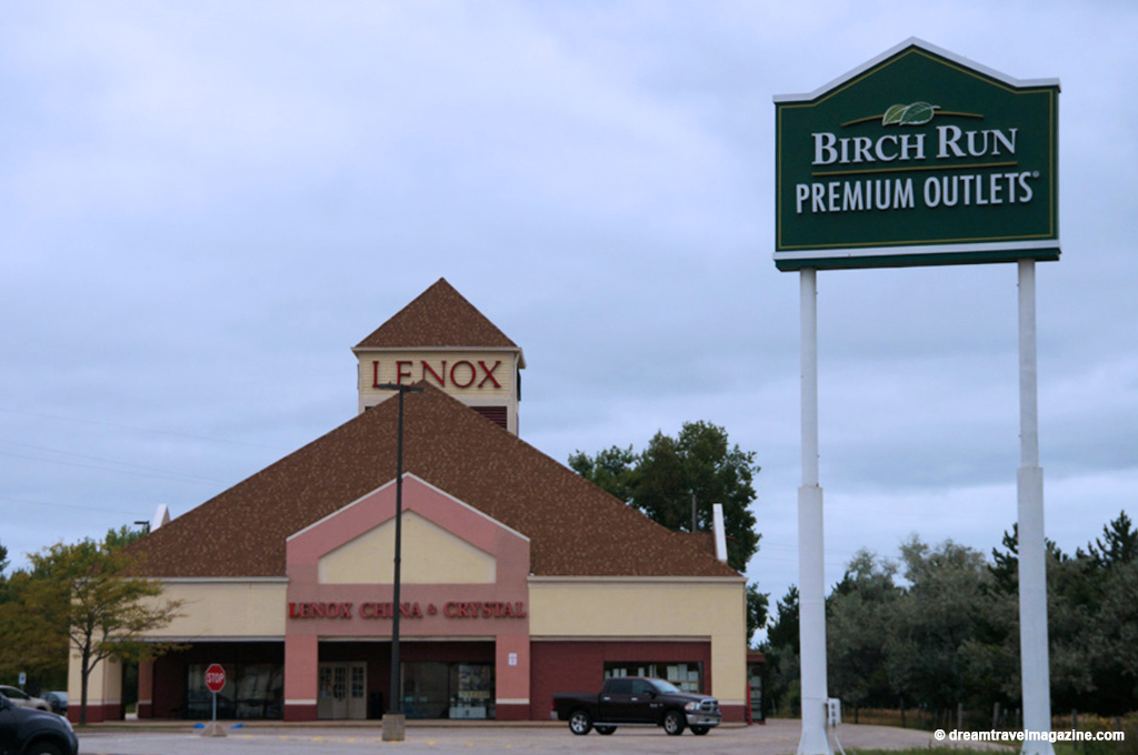 Located just minutes from Frankenmuth, Birch Run Premium Outlets® is one of the country's first and most successful outlet centers. Located conveniently off of I, Birch Run Premium Outlets features over stores for your shopping pleasure including Under Armour, Nike, Columbia, and Coach.