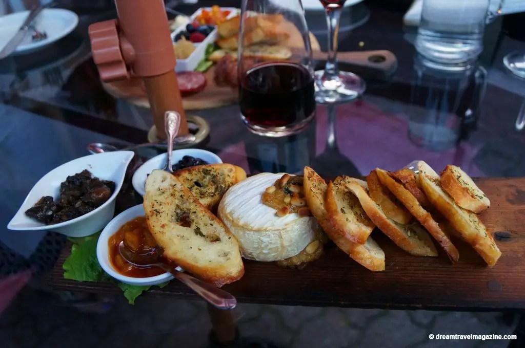Era-67-Restaurant-Review-Downtown-Orillia--ontario-lakes-country-13