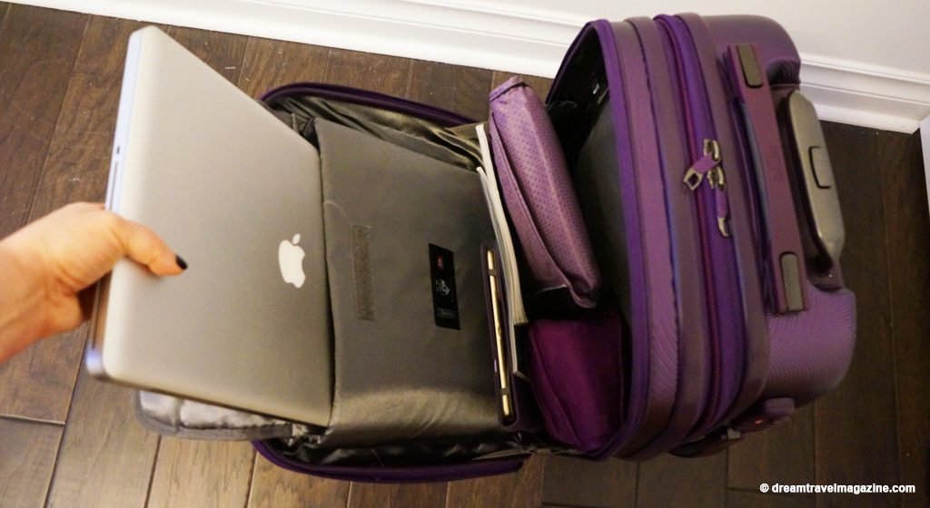 Heys-Smart-Luggage-Gateway-Carry-on-Bag-purple_Review_11