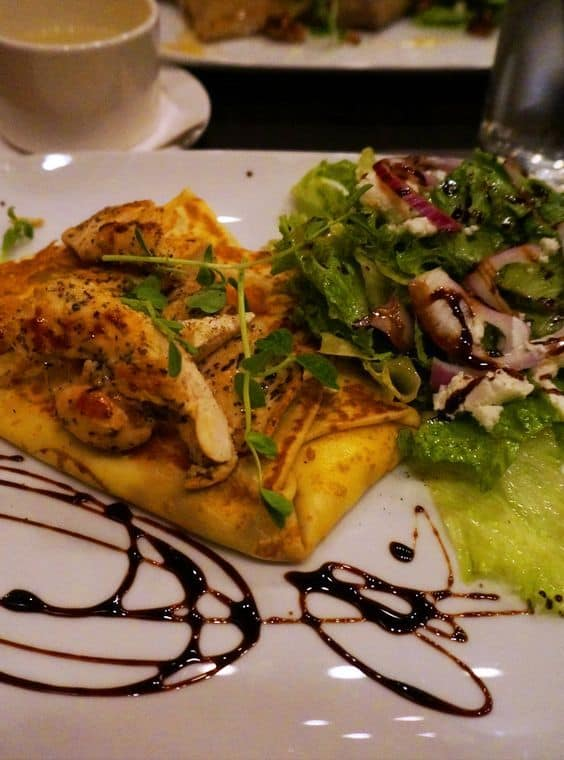 A Review of the Nook Creperie Restaurant in Pembroke, Ontario, Canada
