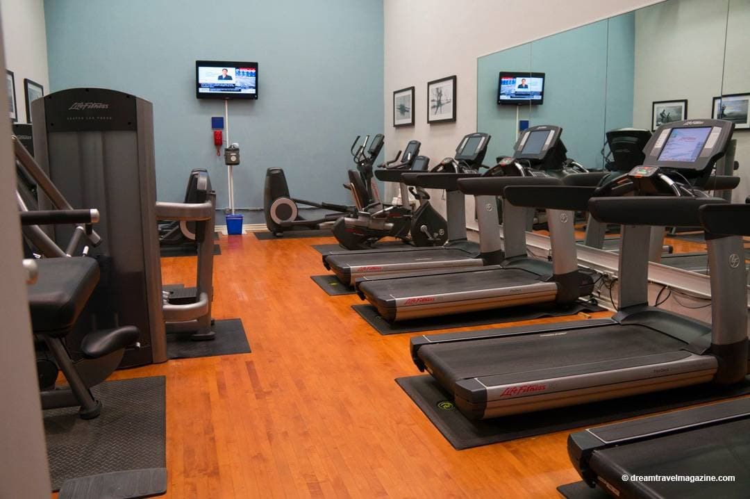 Fitness room cardio equipment Review Intercontinental Toronto Centre Hotel